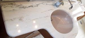 Lucidatura pianali cucina e bagno in marmo Milano