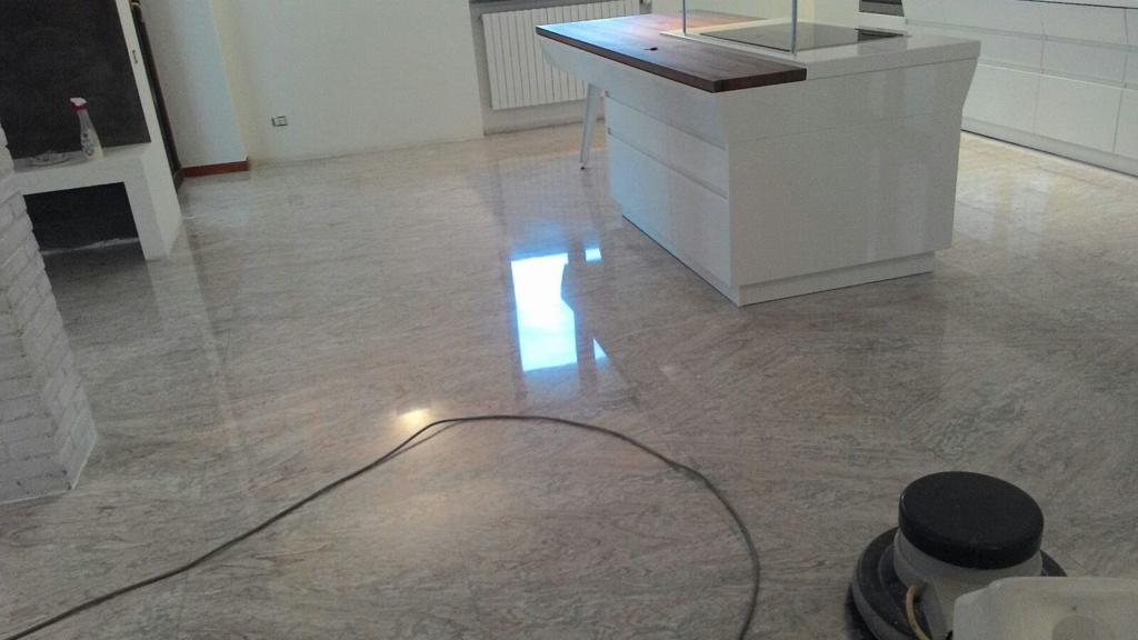 Lucidatura pavimenti in marmo Annone Brianza